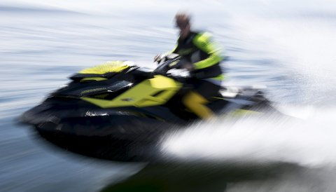 Frislipp: Fra og med 18. mai har man kunne kjøre vannscooter på lik linje med fritidsbåter. På Romerike vil det imidlertid fortsatt være forbudt å kjøre vannscooter på enkelte innsjøer.Foto: NTB scanpix