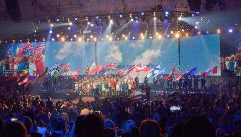 INTERNASJONALT: 7500 personer fra 42 land deltok på Barnas dager hos Brunstad Christian Church (BCC) fredag og lørdag. Anlegget til Oslofjord Convention Center var booket for anledningen, og på scenen underholde barna med sang, dans og skuespill.