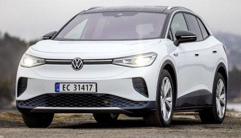 MER ENN EN OPPBLÅST ID.3: Vel er fronten mer av det samme, men VW har klart å gi ID.4 en egen karakter. Foto: TOMM W. CHRISTIANSEN