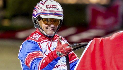 OPPGITT: Per Oleg Midtfjeld skulle gjerne ha kjørt Ferrari på Solvalla onsdag kveld, men Sverige-tur hadde han blitt nektet adgang til Travselskapets baner i 14 dager. Det irriterer ham.