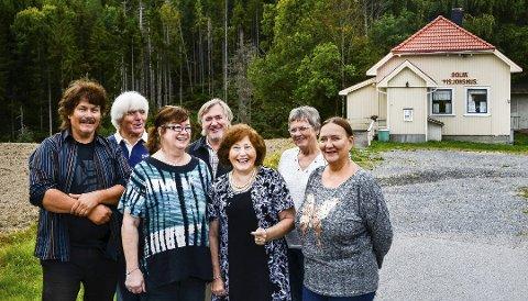 FÅR STØTTE: Dolva pinsemenighet får etter all sannsynlighet overført 8445 kroner fra Skien kommune. Ingunn Mandt er nummer tre fra venstre. Bildet er tatt for noen år siden.