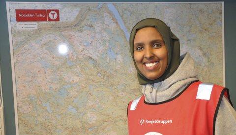 Ut på tur, aldri sur: Helt siden hun var barn i Somalia, har Sahra vært glad i å gå på tur. Notodden Turlag ble hennes inngangsport til integrering.