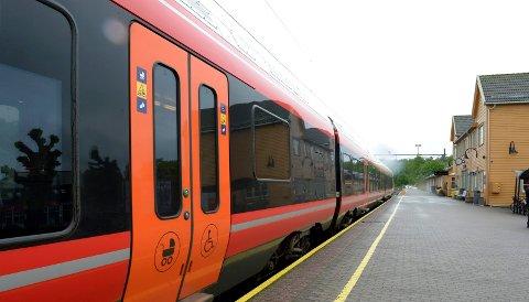 FORSINKET: Flere av avgangene på Vestfoldbanen var mandag morgen forsinket.