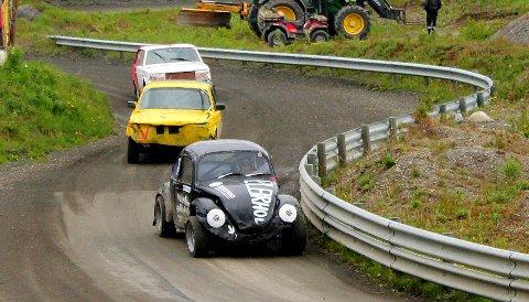 Bilcross: Her ligger Petter Leirhol først, med Ole Andreas Grythe bak og Kristoffer Rabben bakerst.