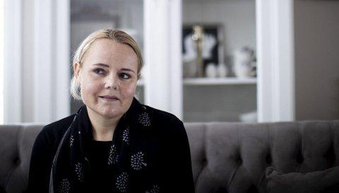 FØLER SEG MISTENKELIGGJORT: Hanne Dokken-Hansen reagerer sterkt på av Nav har blandet seg inn i spørsmål om hennes status som enslig forsørger etter at hun har uttalt seg i media om at faren til kreftsyke Marcus Dokken-Hansen har valgt å bo hos dem for å pleie sønnen.
