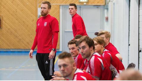 HOVEDTRENER: Alexander Linløkken Pettersen er ny hovedtrener for K2 og Lerøy-lage i Nit-Hak.