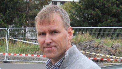 DEDIKERTTILRASET:Enhetsleder Gunnar Prøis er for tida 100 prosent dedikert arbeidet med rassikring på Li. Mandag orienterte han kommunestyret om at sikringsarbeidet tar tid.
