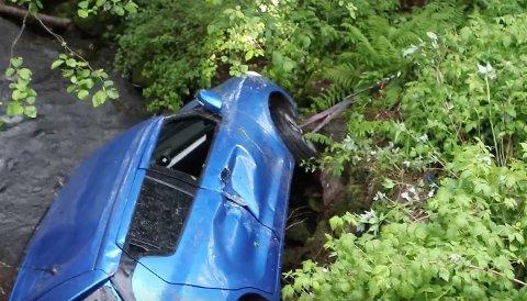 BLETAUETOPP:Fra berginga av bilen ved Aas gård i Hakadal.