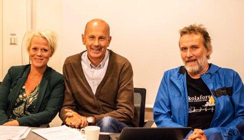AP HAR BESTEMT SEG: Gruppeleder Laila P. Nordsveen, ordfører Ola Nordal og hovedutvalgsleder Ivar Ekanger er enige om at Kroer skole bør bevares.