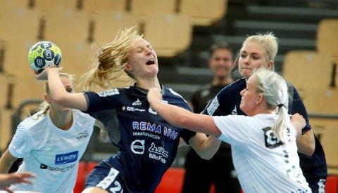 TØFT: Henny Ella Reistad og Stabæk spilte tidvis meget godt mot Kristiansand Vipers, men måtte til slutt se seg knepent slått. Bildet er fra en tidligere kamp