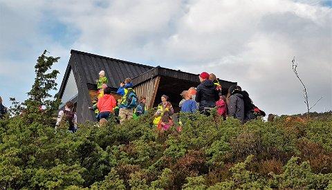 ILLUSTRASJONSFOTO: Alver, Austrheim, Fedje og Masfjorden fekk støtte i søknadane om dagsturhytte. Biletet er frå dagsturhytta i Gulen kommune.