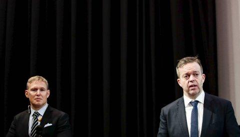 Alf-Helge Aarskog (t.h.) og Ivan Vindheim  er henholdsvis avtroppende og påtroppende administrerende direktør for Mowi.