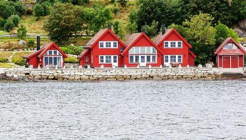 DRAMA: Det var på ein privatfest i ei robru i Kalvåg at ein av festdeltakarane oppførte seg truande med kniv.