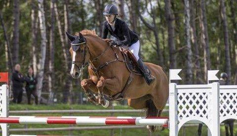 GOD: Kaja Bølshaugen Olsen og hesten Can Do gjorde en god figur i Falsterbo i Sverige. ALLE FOTO: Fredrikstad og Omegn Rideklubb