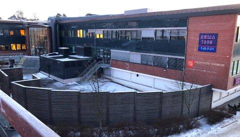 Tirsdag ettermiddag bekrefter NAV at de flytter Nav Kontaktsenter Øst-Viken fra Sarpsborg sentrum til Hassingen. De flytter inn i hoveddelen av tredje etasje, som Fredrikstad kommune tidligere leide.
