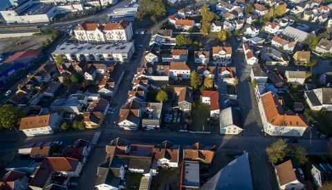 Sier nei til boligblokker i trehusbebyggelse: Rådmannen ønsker ikke å åpne for fortetting i eksisterende småhusbebyggelse, som her på Holmen. (Arkivfoto: Erik Hagen)