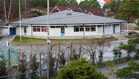 Åttekanten skole på Vesterøy. Skal skolen bli aktivitetshus, billige leiligheter eller noe helt annet?