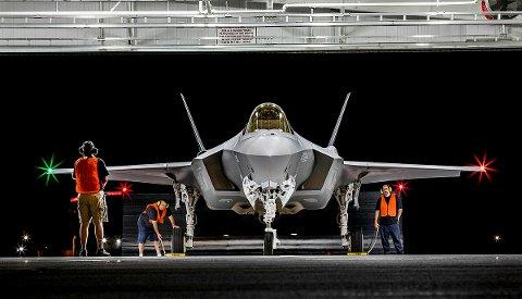 Vedlikehold på Rygge: Motorene til de nye F-35-flyene skal vedlikeholdes på Rygge flyplass av det statlige selskapet AIM Norway. På bildet ett av de norske flyene før avreise fra USA. (Foto: AngelDelCueto/Lockheed Martin/Forsvaret)