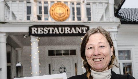LOVER: Daglig leder og deleier av Marinegården Steakhouse, lover at de skal få orden på rutinene sine slik at de får smilegjeset sitt igjen.
