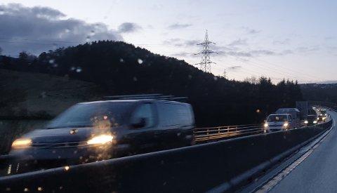 Ifølge statistikken er det litt flere biler å se på E39 nordover i morgentimene etter at rushtidsavgiften ble fjernet.
