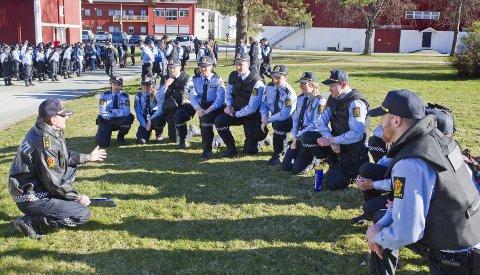 KAN BLI HISTORIE: De siste ni årene har et 140-talls politistudenter tilbrakt ett år ved Politihøgskolens Utdanningssenter på Sæter gård som endel av bachelorutdanningen. Regjeringen har i sitt forslag til revidert statsbudsjett for 2018 foreslått å redusere antall studenter nasjonalt, noe som vil føre til at Sæter blir overflødig i den ordinære politiutdanningen – og må nøye seg med å være undervisningsarena for etter- og videreutdanning.Foto: Ole-Johnny Myhrvold