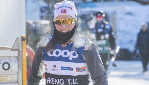 Strålende fornøyd: Tiril Udnes Weng har god grunn til å smile etter å ha imponert stort på de to første etappene av Tour de Ski.  Foto: Terje Pedersen / NTB scanpix