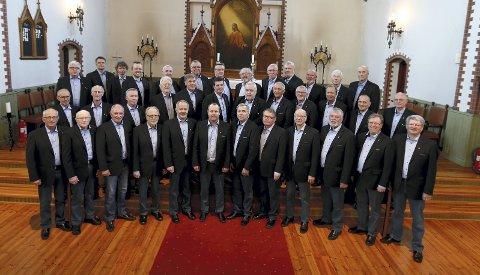 Korsang:  Det er den største kulturaktiviteten i Norge sier Thomas Kallevik, som synger i mannskoret Vibran. arkivfoto:  Harald Nordbakken