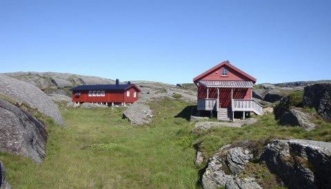GOD PLASS: Hyttene ved Løkjelvatn eies av Haugesund Turistforening. FOTO: HAUGESUND TURISTFORENING