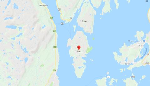 Brannvesenet på Stord har sendt mannskaper med ferje fra Jektevik.