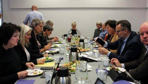 NYE TALL PÅ BORDET: Styringsgruppen i Haugalandspakken får en stor utfordring når de samles til nytt møte den 3. desember. ArkivFoto: Espen Løvvik