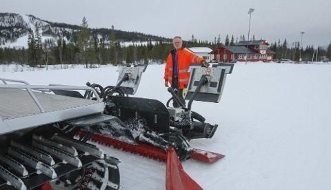 KLAR: Håvard Vatshaug er klar til å kjøre opp løypene på Sjåmoen etter at Vefsn kommune bestemte seg for å prioritere koronamidler til løypekjøring.