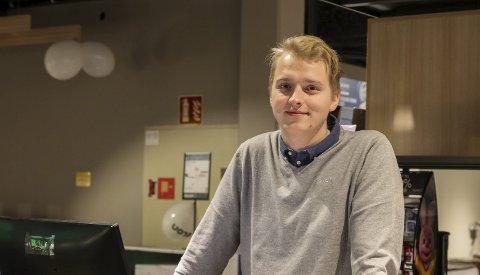 Elon Odda: Torje Nilsen er dagleg leiar for den nye butikken i Odda. Det er han og far, Bjarte Nilsen, som eig selskapet bak butikken.