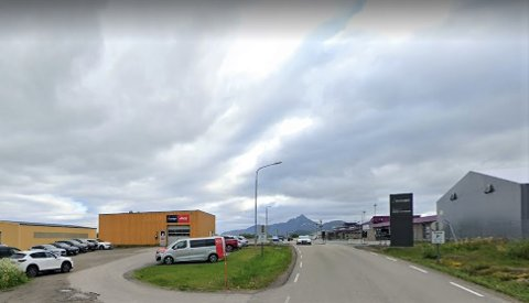 Lofoten bilutleie, som blant annet har utleiested ved flyplassen på Leknes, kvalifiserer ikke til koronastøtte etter utvidelsen bedriften gjorde i mai.