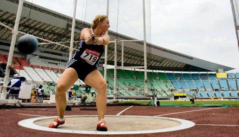 BEST: Mona C. Holm var Nordens sleggedronning gjennom mange år. Her fra VM i Osaka i 2007. Foto: Cornelius Poppe / SCANPIX