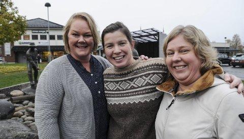 Støttegruppa for Farida, her ved Lise Engelien Kokkvoll, Merethe Engen Enerstvedt og Britt Karin Rotmo,opplever at pengene strømmer inn etter at dommen i Oslo tingrett falt mandag. Foto: Ingvar Skattebu