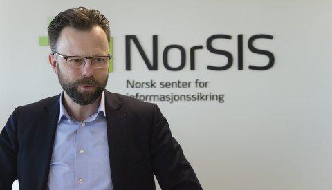 ENDRINGER: Datakriminaliteten er i vekst, og endres mye, opplyser direktør Roger Johnsen.foto: Henning Gulbrandsen