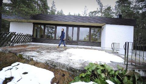 SOLGT: I 2010 solgte megler Hans Martin Tonne dette huset i Roald Amundsen vei på Svartskog. Nå har han solgt det for andre gang. Bekreftede rykter forteller at det er Ole Paus som skal ha kjøpt det for 12,5 millioner kroner. Arkivfoto
