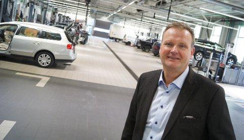 BILVETERAN: Drøbak-mannen Terje Grøndahl har vært en del av ledelsen i Møller Follo siden 1999. Først som markedssjef, senere som daglig leder. Det gir 20-årsjubileum for 55-åringen i år.