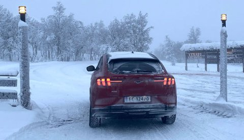 KALDT: Mange har problemer med bilene sine nå som kulda har kommet. (Arkivfoto: Knut Skogstad/Broom)