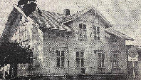 RIVES: Postmesteren, Reidar Aslaksen, har foreslått at nåværende posthus blir revet.