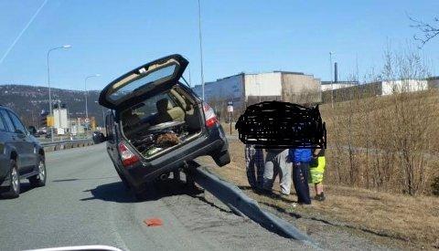 En sjåfør i 50-årene kjørte opp på autovernet i Svortdalen, ble hjulpet på veien igjen, for så å bli stoppet på Båsmoen 25 minutter senere.