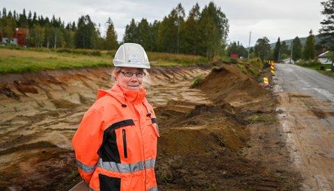 - Høsten 2021 skal 1,1 km med ny gang- og sykkelvei står ferdig i boligområdet Brennåsen, sier prosjektleder Berit Kalstad i Rana kommune.