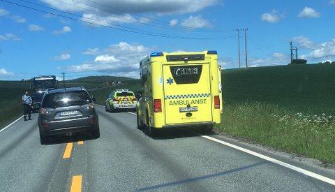Både politiet og ambulansetjenesten rykket ut til det de trodde kunne være en ulykke. Det var det ikke.
