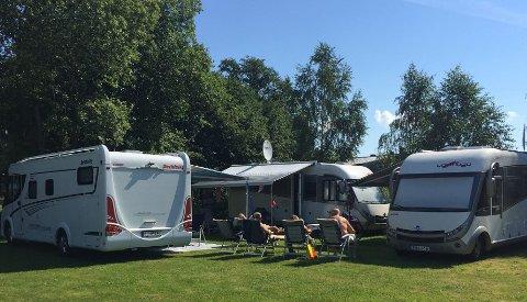KULT Å CAMPE: Smarte, men pene løsninger har vært med på å gjøre camping mindre «harry», tror Svein Arne Wien Haugerud på Campinggården i Hønefoss.