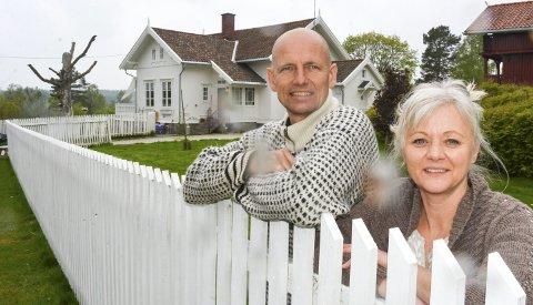 GLADE: Bente og Gjermund Skullerud Næss trives på Nordre Gaasvik på Setskog, og er glade for at de ikke fullførte planene om å flytte. Alle foto: Anne Enger Mjåland