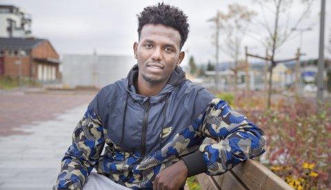 VALGTE FRIHETEN: Abel Hadgenbes Bisrat (24) valgte å legge ut på en farefull reise mot friheten i Norge, enn å bli værende i hjemlandet og bli tvangsrekruttert til militærtjeneste på ubestemt tid.  Foto: Bente Elmung