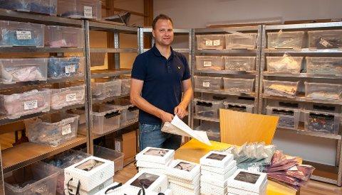 UTVALG: Raymond utvider stadig vareutvalget i nettbutikken. Til høsten satser han også på egne salgslokaler.