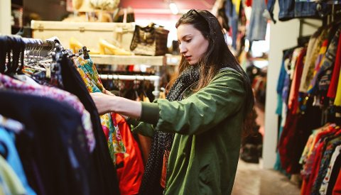 Husk 6000-kroners grensen når du er på shopping i utlandet. Foto: Istock/ANB