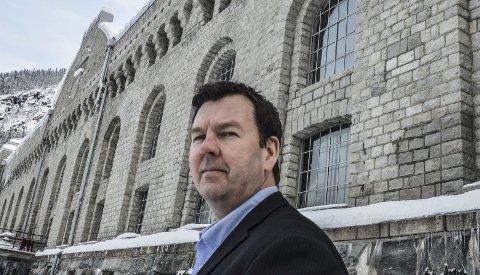 KUTTE: NIA-direktør Runar Lia må kanskje kutte mange stillinger på Notodden også, dersom kommunal støtte til verdensarvsenter og Rjukanbanen uteblir.
