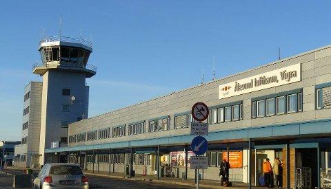 Ålesund lufthavn er evakuert.